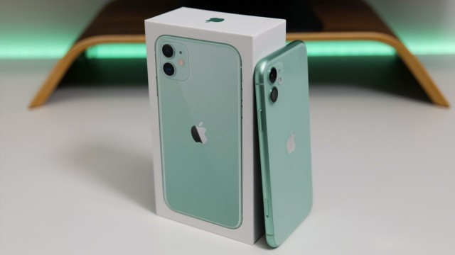 iPhone 11 - Unboxing, Setup and First Look